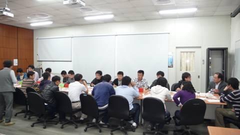 同济大学土木工程学院大四学生13人来系